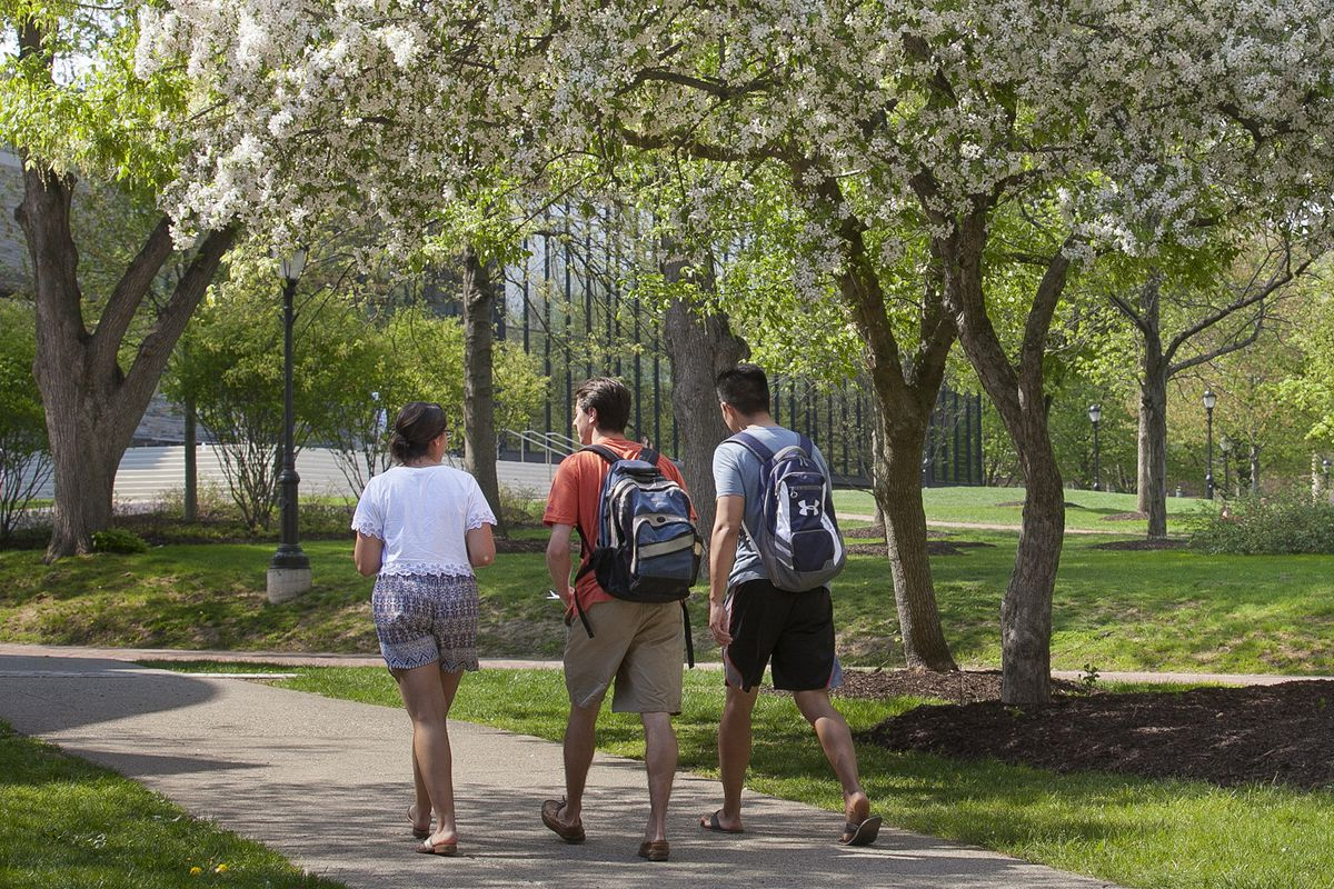 living in campus Find your home away from home on the welcoming and picturesque campus of edinboro university when you live on campus, you'll be right in the heart of everything.